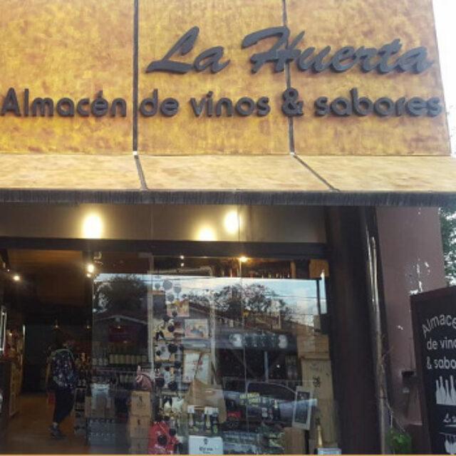 La Huerta almacén de vinos y sabores